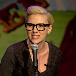 Scarlett Johansson - Ray Ban